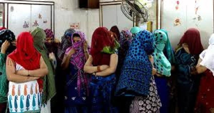 Corona Effect: दिल्ली में लॉक डाउन के कारण दाने-दाने को मोहताज हुए सेक्स वर्कर्स