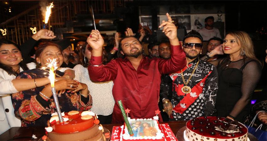 हनी सिंह के लिए डबल ट्रीट, रैपर ने अपने हालिया रिलीज LOCA की सफलता के साथ मनाया अपना जन्मदिन!