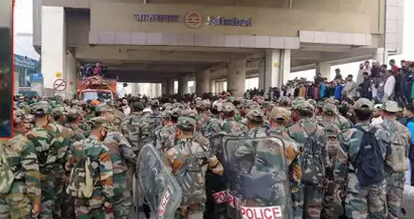 दिल्ली दंगा: पुलिस ने UAPA के तहत दायर की चार्जशीट, उमर खालिद का नाम नहीं