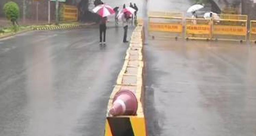 दिल्ली में मौसम में अचानक बदलाव, कई स्थानों पर हल्की बारिश
