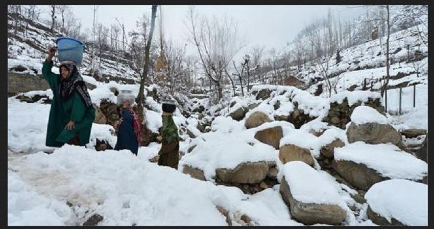 कश्मीर घाटी में बढ़ती जा रही है ठंड , पारा शून्य से नीचे गिरना जारीः मौसम विभाग