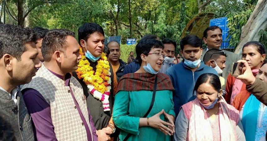 दिल्ली एमसीडी उपचुनाव के लिए AAP प्रत्याशियों ने दाखिल किया नामांकन
