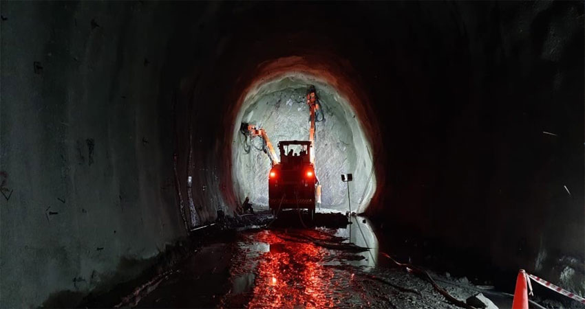 कर्णप्रयाग तक ट्रेन पहुंचाने की राह से हटा पहला 'पहाड़',टनल का काम पूरा