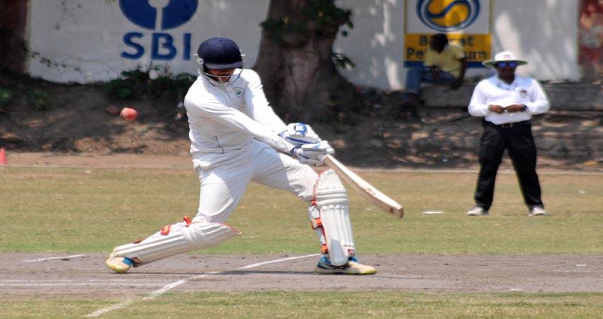 गोल्ड कप क्रिकेट टूर्नामेंट में इंडियन नेवी मुंबई व मिनर्वा चंडीगढ़ की शानदार जीत