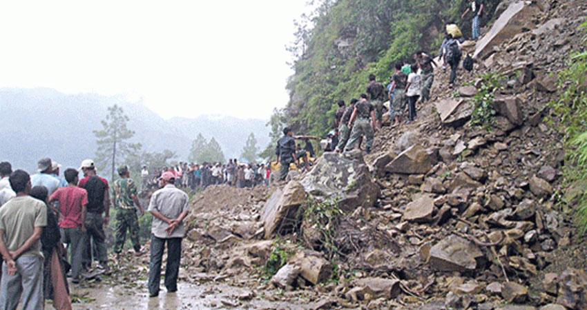 नेपाल में भारी बारिश के बाद भूस्खलन, 22 लोगों की मौत