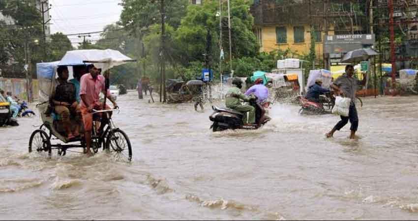 बिहार बाढ़ः मौसम विभाग के अलर्ट के बाद निगाहें हटी सरकार से तो टिकी आसमान पर