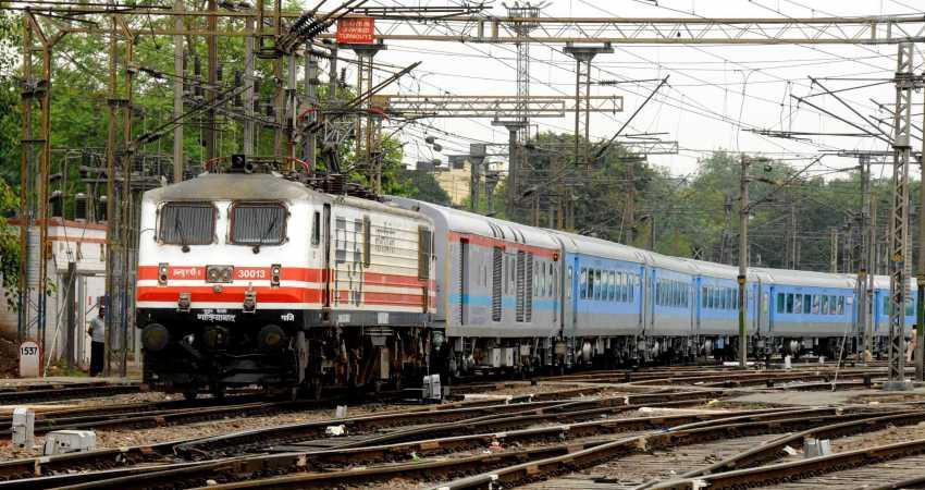किसानों के रेल रोको अभियान के मद्देनजर रेलवे ने तैनात की RPSF की अतिरिक्त कंपनियां