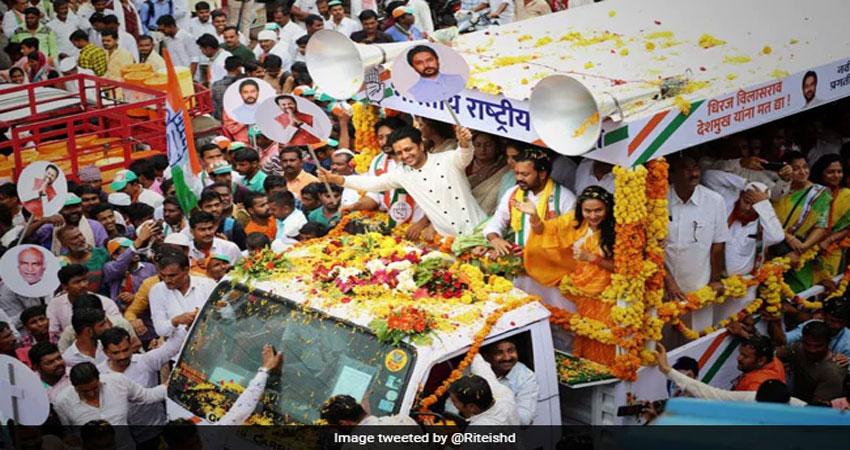 रितेश देशमुख के भाईयों ने भी महाराष्ट्र चुनाव में फहराई जीत की पताका