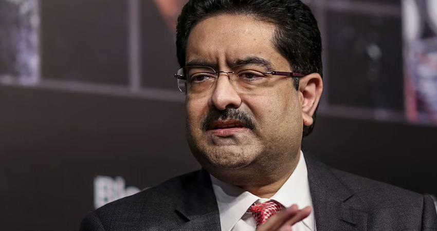 कुमार मंगलम बिड़ला ने की वोडाफोन आइडिया में अपनी हिस्सेदारी सरकार को सौंपने की पेशकश