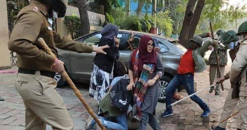 दिल्ली पुलिस का कोर्ट में सुझाव : गिरफ्तार जामिया छात्र को परीक्षा के लिए गेस्ट हाउस में रखा जाए