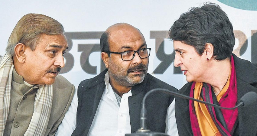अपने नेताओं, पत्रकारों के खिलाफ FIR को लेकर योगी सरकार पर बरसी कांग्रेस