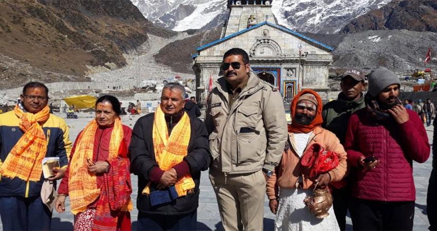 केदारनाथ के दर्शन को पहुंचे नेपाल के पूर्व उपप्रधानमंत्री रामचंद्र पैडोल