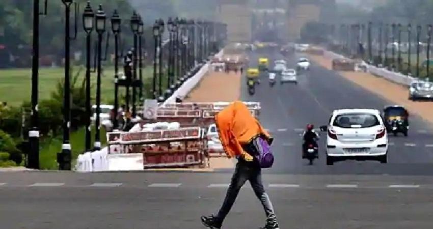 मौसम ने ली करवट तो भीषण गर्मी से दिल्ली-एनसीआर के लोगों को मिली राहत