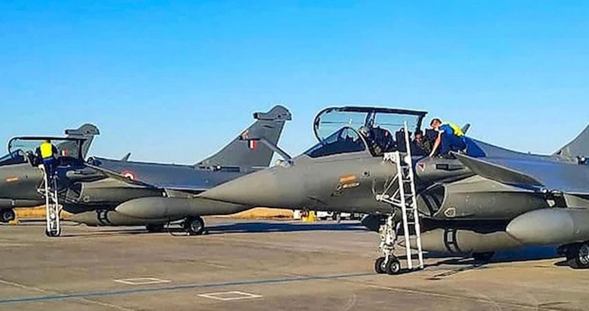 फ्रांस से उड़कर तीन और राफेल विमान भारत पहुंचे