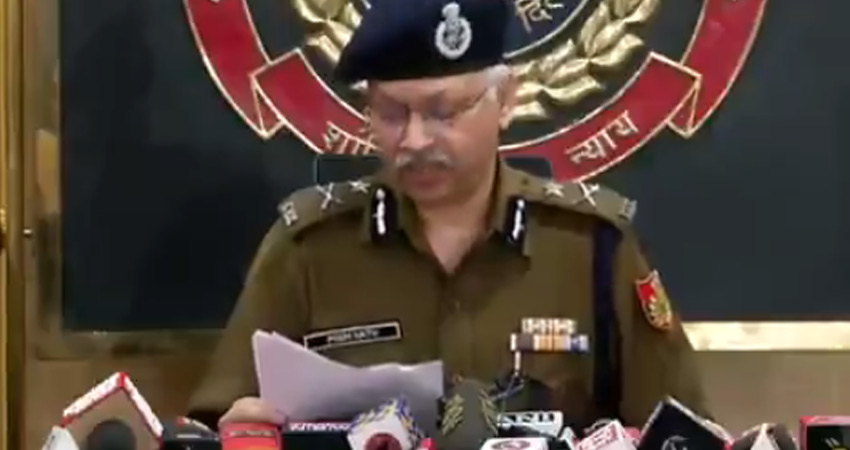 दिशा रवि की गिरफ्तारी के बाद दिल्ली पुलिस ने 'टूलकिट' से जुड़े लिंक जोड़ने का किया दावा