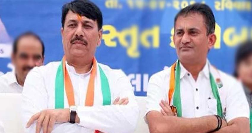 स्थानीय निकाय चुनाव: गुजरात कांग्रेस प्रमुख, विपक्ष के नेता का इस्तीफा, EVMs पर उठाए सवाल