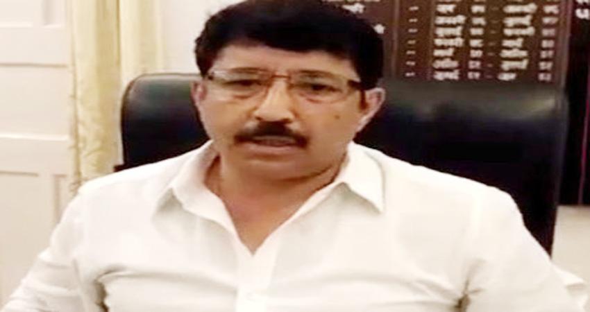 त्रिवेंद्र सरकार का बड़ा फैसला, CM योगी के इस चहेते अफसर को बनाया कुमायूं का नया कमिश्नर