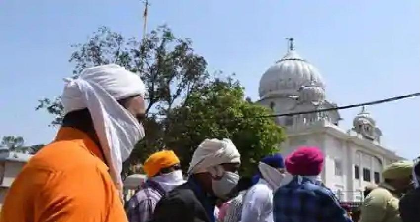 दिल्ली में गुरुद्वारा मजनूं टीला विवाद को लेकरआपस में भिड़े आप पार्टी और अकाली दल