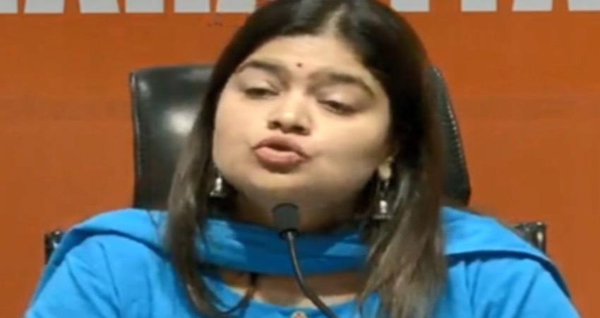 ममता के मीम पर सुप्रीम कोर्ट के निर्देश से खुश नहीं हैं पूनम महाजन