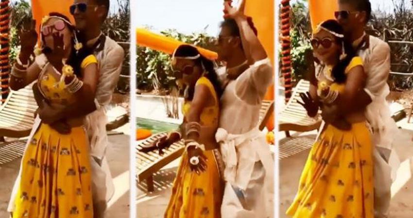 Video: शादी से पहले हल्दी की रस्म के दौरान यूं नाचते दिखे मिलिंद और अंकिता