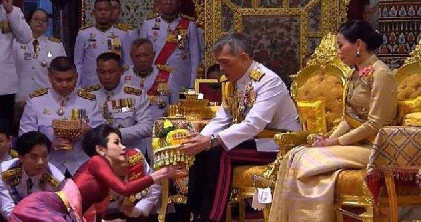 Corona: थाई राजा ने क्वारंटीन के समय भी साथ रखे 20 उप-पत्नियां,बनें चर्चा के विषय