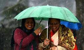 बारिश से जुड़े इन मिथकों से करें खुद को दूर, बारिश के मौसम में दही है बेहतर