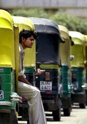 दिल्ली में हड़ताल पर रहेंगी ऑटो-टैक्सी यूनियन, बढ़ेंगी यात्रियों की मुश्किलें