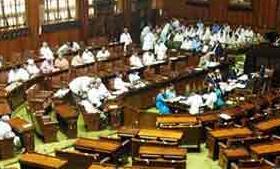 कितना सही था राहुल का PM से गले मिलना, जानें क्या कहते हैं संसद के नियम