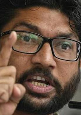 दलित के आत्मदाह को लेकर गुजरात में उबाल, हिरासत में लिए गए जिग्नेश मेवानी